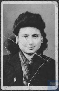 Fernande AMOUYAL née le 30 avril 1929 déportée de Drancy le 31 juillet 1944 par le convoi n°77.
