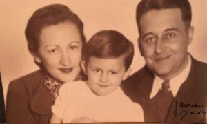 2-40962_Chasja et François Moinet avec leur fils Jacques_collection_Sabine_MOINET