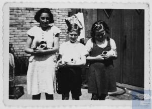 Simone BLOCH née le 9 mai 1926 déportée de Drancy le 31 juillet 1944 par le convoi n°77.