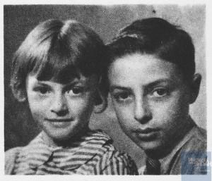 David HOLZ né le 23 février 1931 déporté de Drancy le 31 juillet 1944 par le convoi n°77.