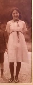 KLOTZ_Lucienne_ Etretat 1912 ou 13