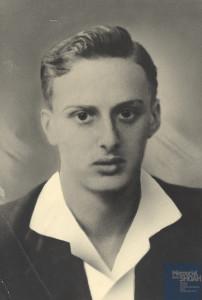 Roger WEILL né le 26 juin 1924 déporté de Drancy le 31 juillet 1944 par le convoi n°77.