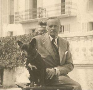 Doc.B. Alexandre Voronoff avec son chien, Coco