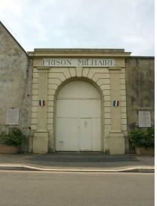 4775-COHEN_Laure_Porte prison Montluc