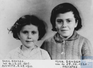 Dora et sa soeur Mina