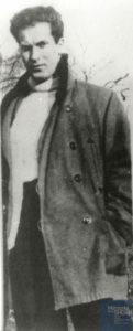 Jean-Guy BERNARD né le 22 novembre 1917 déporté de Drancy le 31 juillet 1944 par le convoi n°77.