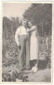 Dina Borucki et son père Joseph en 1938-archives familiales