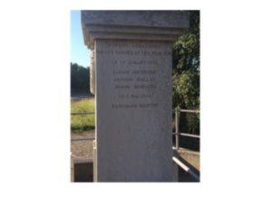Monument commémoratif, col du Banchet, La-Frette, côté droit-Geneanet, licence CC-BY-NC-SA 2.0 Creative Commons.