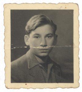 Adolphe TASIEMKA né le 11 février 1929 déporté de Drancy le 31 juillet 1944 par le convoi n°77.